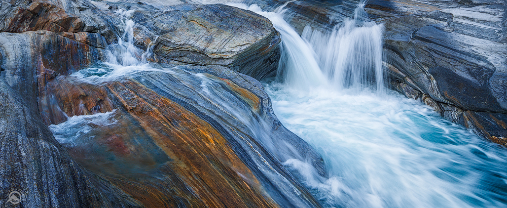 Colourfall | Valle Verzasca, Tessin, Schweiz